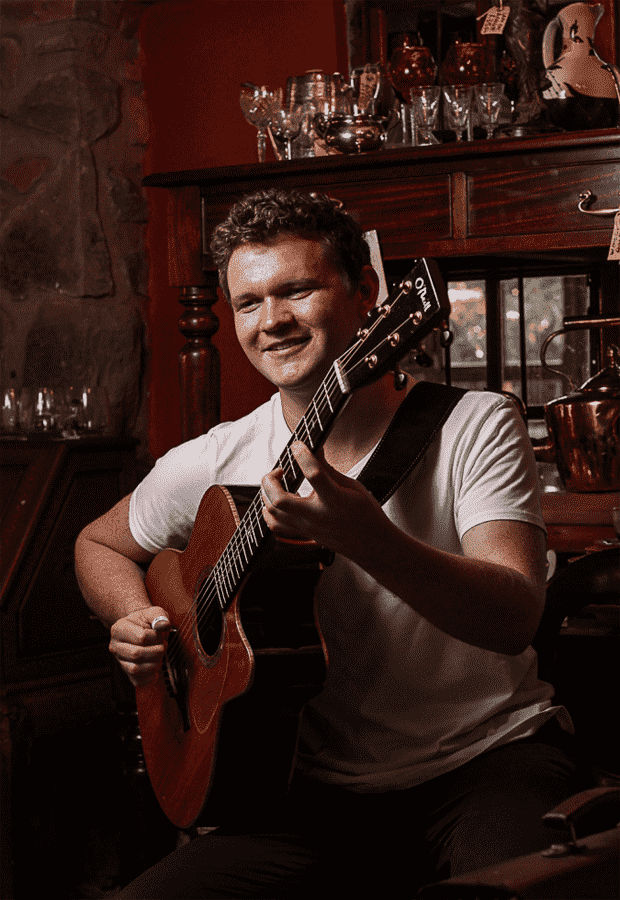 modern-day-guitar-maestro-seb-goldswain-will-be-performing-two-solo-acoustic-show