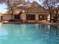 Swimming-pool-at-Ukutula-Li