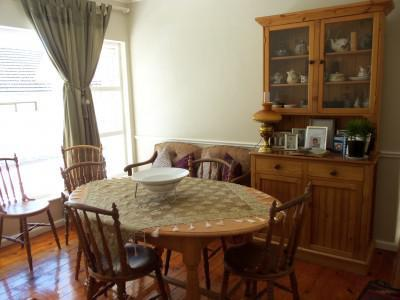 FAMILY HOME WITH GREAT DUAL LIVING OPTIONS