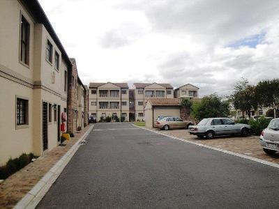 1 Bedroom Apartment in Parklands