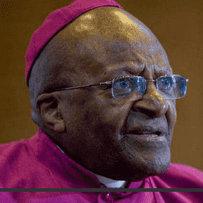 Archbishop Tutu back in hospital