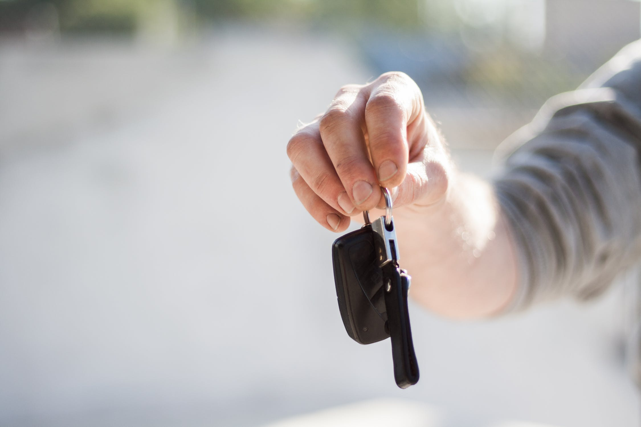 Useful tips on how to photograph your car before selling it