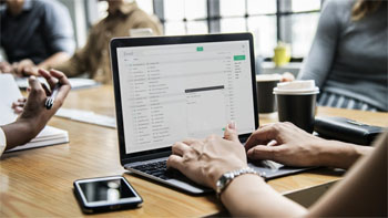 Samsung mentoring 19 startups
