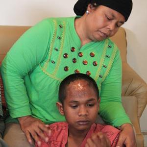 Indonesia tsunami family find son