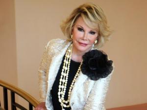 Stars hail 'brassy, bold' Joan Rivers