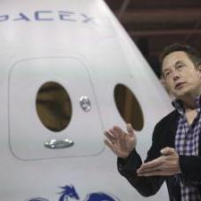 Musk to build NASA's new spacecraft