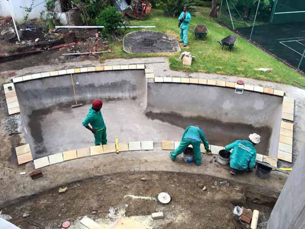 Water pump scam pool builder prevents r145000 loss to for Pacific pools