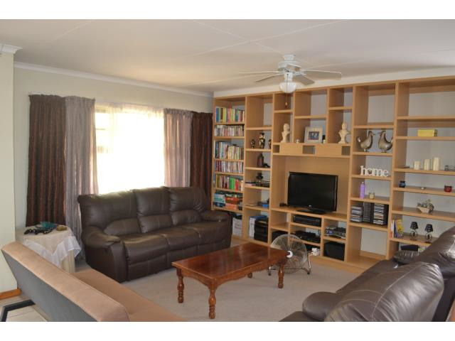 3 Bedroom House for Sale in Blue Bend