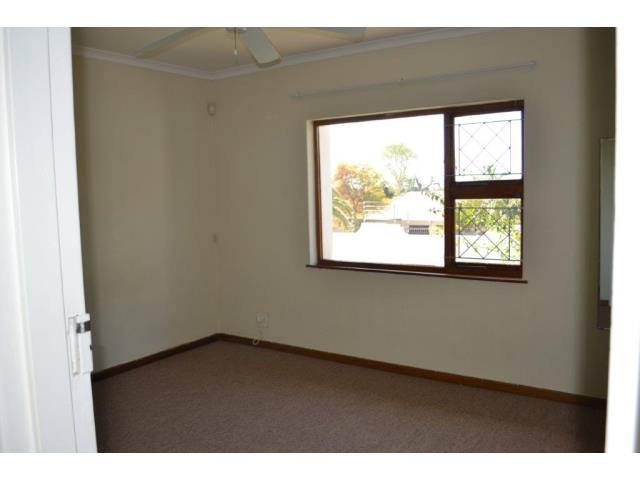 3 Bedroom Simplex for Sale in Beacon Bay
