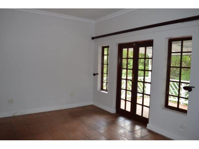 4 Bedroom House for Sale in Vincent