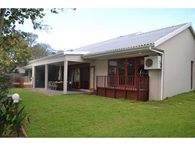 4 Bedroom House for Sale in Bonza Bay