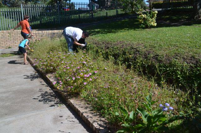 Gonubie Post Office Gardens Clean-Up | East London