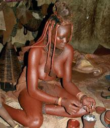 The Himba people- traditional inhabitants of the Kaokovdd - are instantly recognisable. In order to protect themselves from the sun, the women cover their bodies with a mixture made from butter fat and ochre.