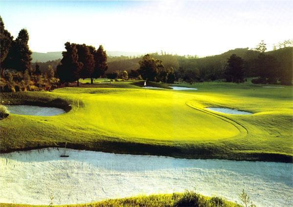 Simola's finishing hole, an uphill 454-metre par five, plays to a stroke index of 12 and is a real birdie opportunity, provided you can avoid the many fairway and greenside bunkers.
