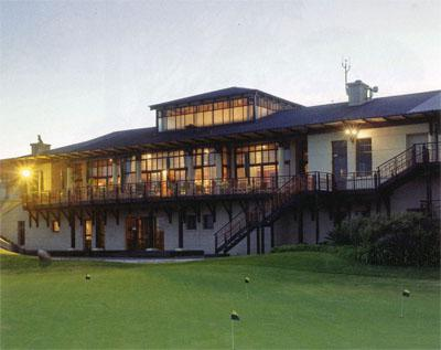 The modern clubhouse at Pezula also doubles up as the halfway house, with the lounge inside providing the perfect resting place with a drink after tackling the course.