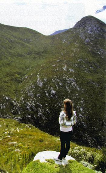 There are a number of viewpoints along the Outeniqua Pass just outside George