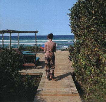 Off to the sundeck at Thonga Beach Lodge for an afternoon hap.