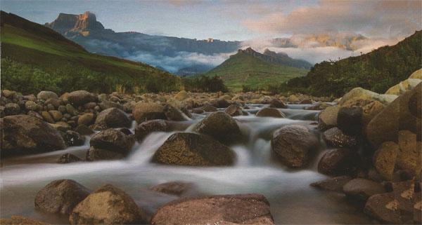 Photo Details: Mark Dumbleton, Nikon D3s, 16 - 35mm lens, ISO 100, 8 sec at fl6.