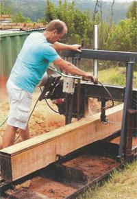 Roy demonstrates plane cutting with a band saw.