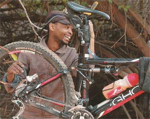 Bike maintenance thanks to one of the Songo team members