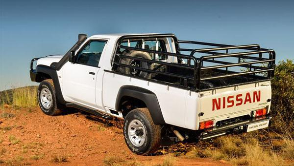Available in single-cab configuration and with a diesel-powered 4x4 drivetrain, the new Nissan Patrol Pickup 3.0DTi 4x4 5-speed manual is powered by a turbocharged and intercooled new-age 16-valve diesel engine