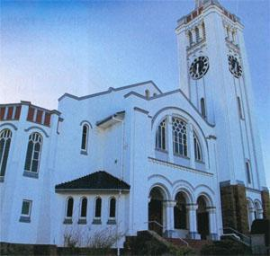 The magnificent Dutch Reformed Church, completed in 1909, seats 1637 worshippers.