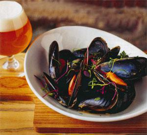West Coast mussels steamed in Brauhaus and parsley