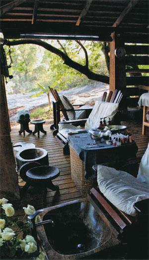 Summerfields Rose Retreat and Spa pampers you right on the edge of the Sabie River
