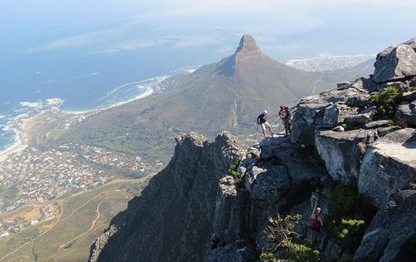 The panoramic view out over Cape Town keeps abseilers company as they get ready to begin their descent