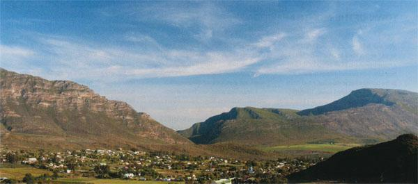 Barrydale has a cosy spot in a valley atthe northern end of the Tradouw Pass