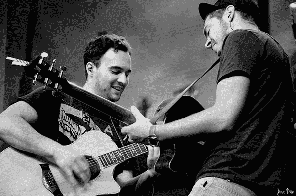 Jesse Clegg (left) and his guitarist Richard Onraet bring down the house at The Venue, Melrose Arch.