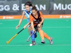 Caption: Isabella da Rocha of UJ and Katie Winter of UCT clash during a Varsity Hockey match. Photo: Saspa
