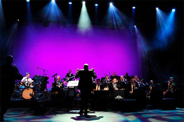 Frank Sinatra international hit show