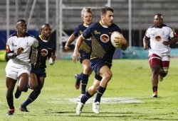 CAPTION: FNB Madibaz rugby captain Riaan Esterhuizen goes on the attack against University of KwaZulu-Natal in their FNB Varsity Shield semifinal last Thursday. Madibaz won 46-0 to qualify for the final against Cape Peninsula University of Technology at the Madibaz Stadium in Port Elizabeth on Thursday. Photo: Michael Sheehan