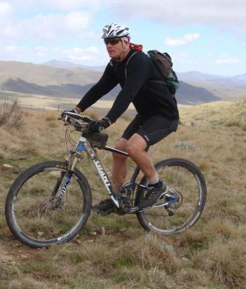 Explore the Karoo on mountain bike.
