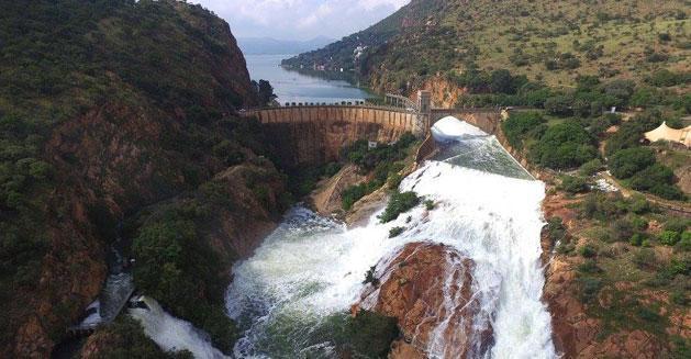Hartbeespoort-Dam-Flowing