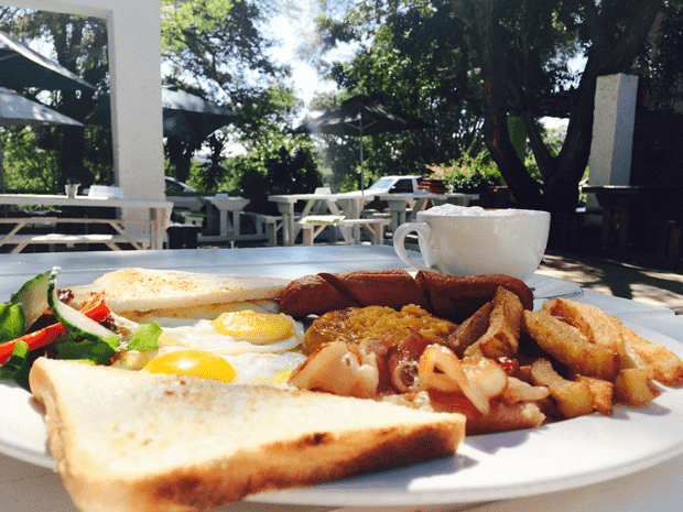 Breakfast at Chameleon Brewhouse | Hartbeespoort