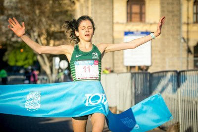 Annie Bothma claims gold at the 2018 Totalsports Women's Race Cape Town.     Photo Credit: Mark Sampson