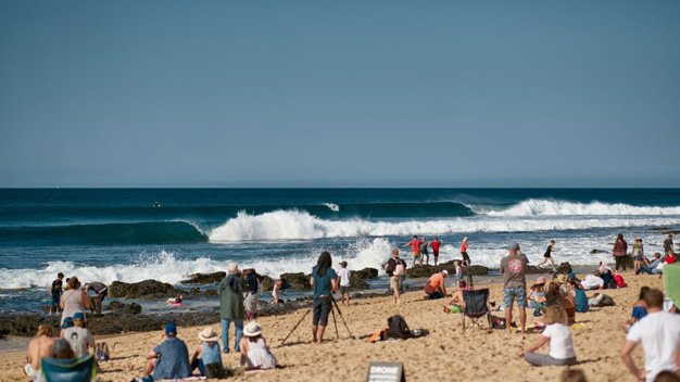 Jeffreys Bay » Blog Archive » Lakey Peterson advances into