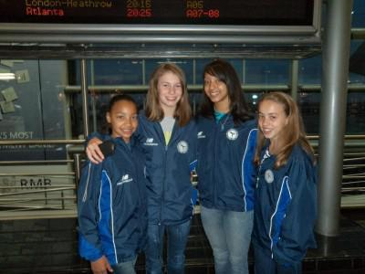 Christy nell (tweede van links) saam met mede gymnaste van wynland