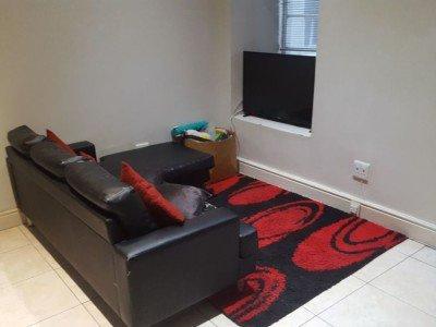 1 Bedroom flat, set in the heart of Paarl.