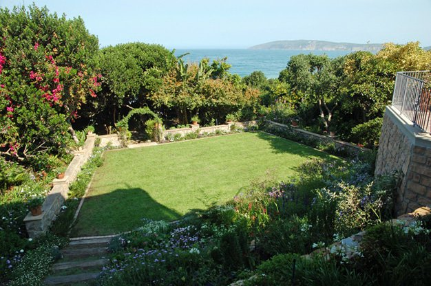 Mouton Garden