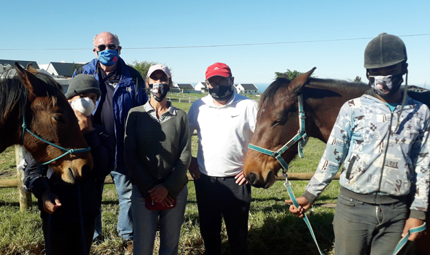 Kranshoek receives 1st feed sponsorship from Equi-Feeds Western Cape