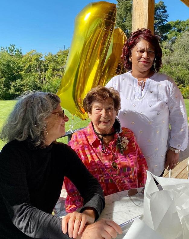 Plett local Edna Helfet celebrates her 100 Year Birthday!