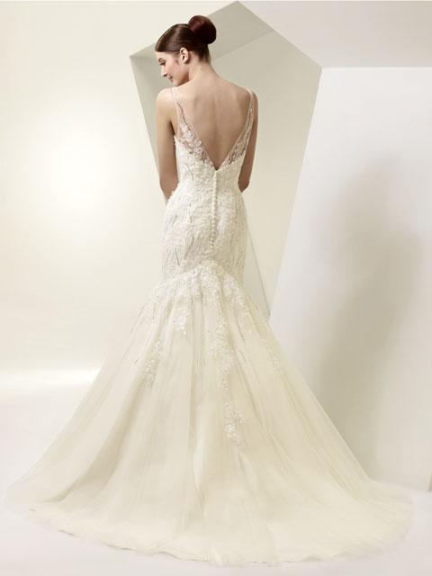 Wedding Gowns For   In Pretoria : Modern wedding gowns with a subtle traditional influence each dress