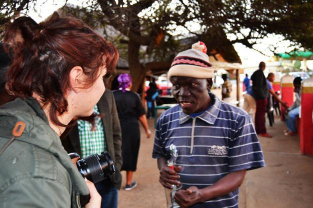Ilze talking to a member of Mabopane's community about June 16