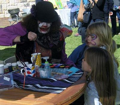 toitoi-face-paint-and-clowning