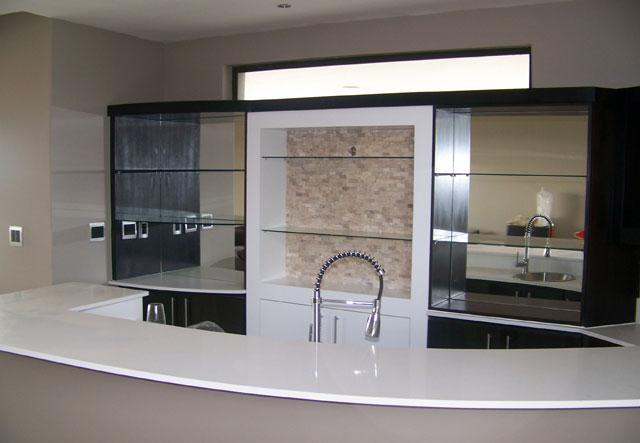 Kitchen cabinets built in wardrobes bathroom vanities for Kitchen designs pretoria