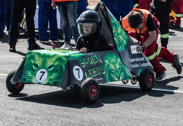 Schools race their self-built electric cars in Delmas