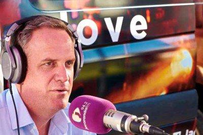 Rian van Heerden broadcasting live from the Straatbraai